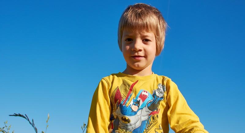 Синът на Кирето иска да скача от балона :)